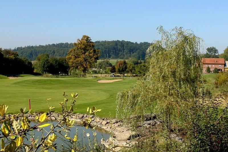 Golfplatz_280-12f5906f07cb95457b963465f5086102